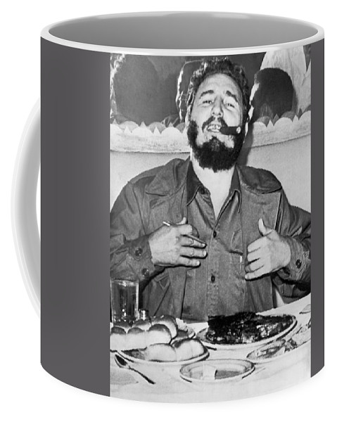 1 Person Coffee Mug featuring the photograph Fidel Castro In New York by Underwood Archives