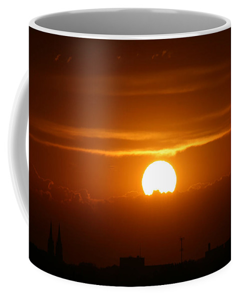 Sunset Clouds City Skyline Sky Earth Scenery Nature Natural Beauty Mother Nature Golden Setting Sun Coffee Mug featuring the photograph Final Moments by Andrea Lawrence