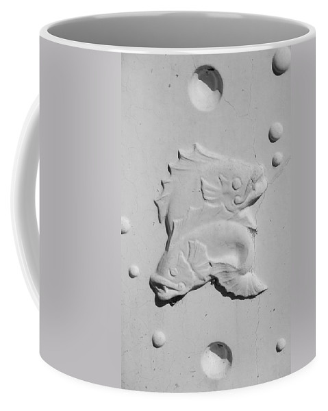 Black And White Coffee Mug featuring the photograph Fish And Bubbles by Rob Hans