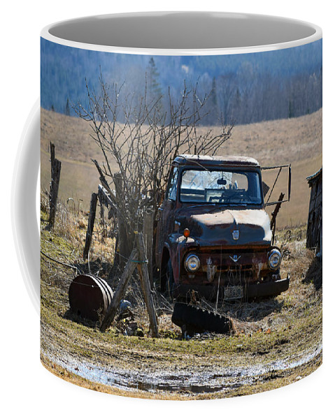 Ford Coffee Mug featuring the photograph Ford F-600 by William Tasker