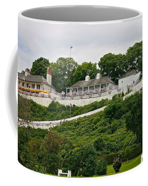 Fort Mackinac Coffee Mug featuring the photograph Fort Mackinac by Kendall Tabor