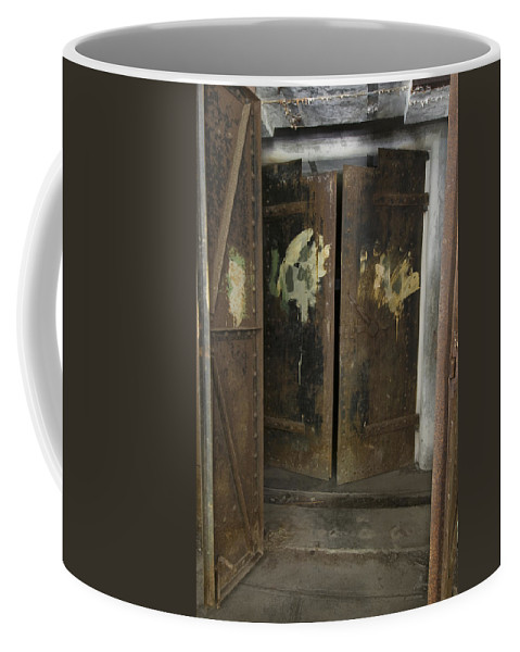 Metal Coffee Mug featuring the photograph Fort Worden 3649 by Bob Neiman