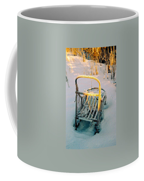 North America Coffee Mug featuring the photograph Frozen Dogsled by Juergen Weiss