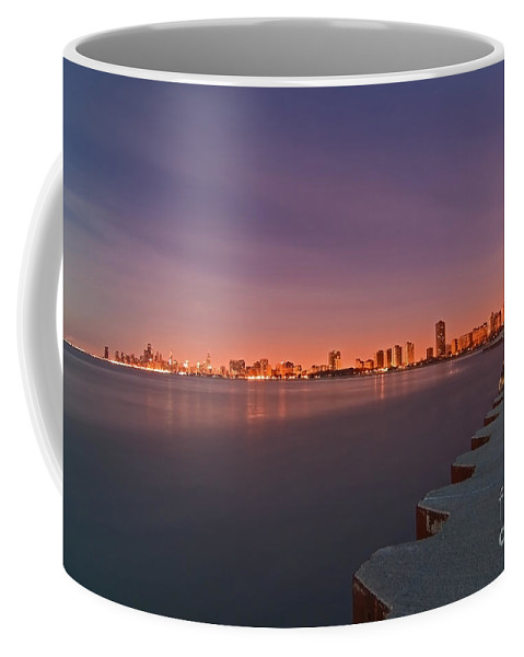 Moon Coffee Mug featuring the photograph Full Moon Setting And Chicago Skyline by Sven Brogren