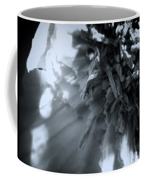 Garlic Coffee Mug featuring the photograph Garlic-up Close And Personal by Scott Wyatt