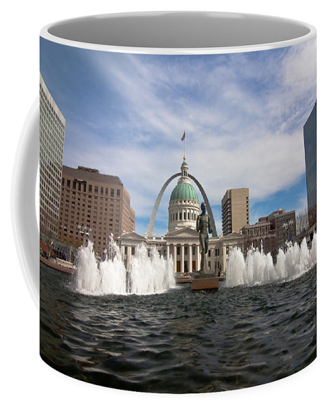 Gateway Arch Coffee Mug featuring the photograph Gateway Arch And Old Courthouse In St. Louis by Sven Brogren
