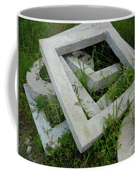 Abstract Coffee Mug featuring the photograph Geo In The Grass by Donna Filomio