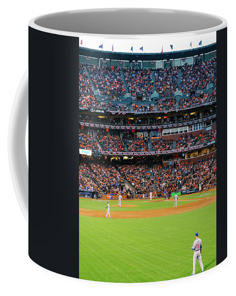 San Francisco Coffee Mug featuring the photograph Giants Versus Cubs by Leio Ohshima