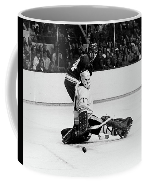Boston Bruins Coffee Mug featuring the photograph Gilles Gilbert by Positive Images
