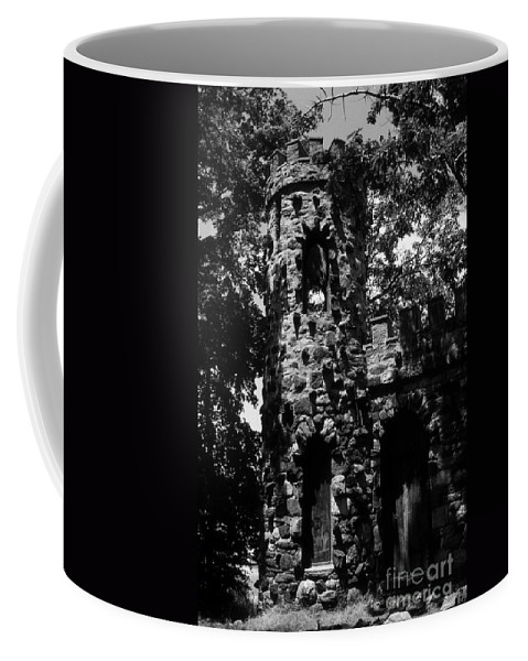 Castle Coffee Mug featuring the photograph Glen Island Castle by Richard Rizzo