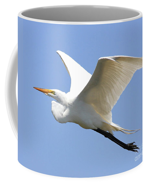 Bird Coffee Mug featuring the photograph Great White Egret In Flight . 40d6845 by Wingsdomain Art and Photography