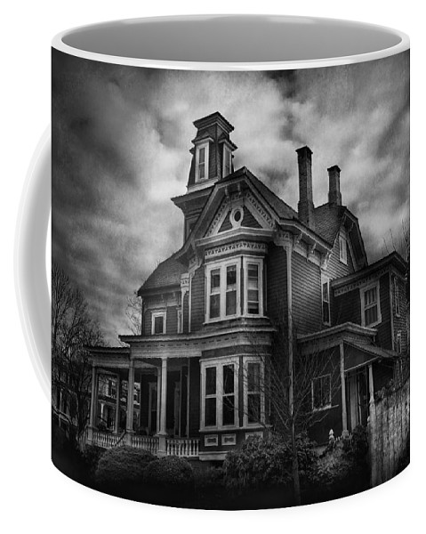 Hdr Coffee Mug featuring the photograph Haunted - Flemington Nj - Spooky Town by Mike Savad