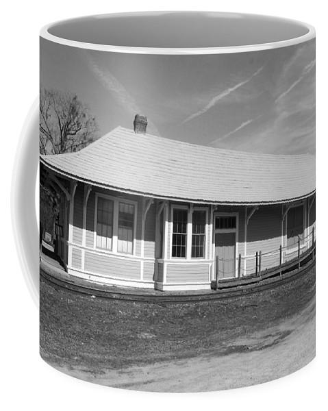 Heath Springs Railroad Depot Coffee Mug featuring the photograph Heath Springs Railroad Depot Bw by Joseph C Hinson Photography