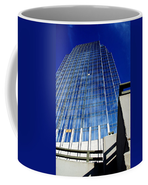 Nashville Coffee Mug featuring the photograph High Up To The Sky by Susanne Van Hulst