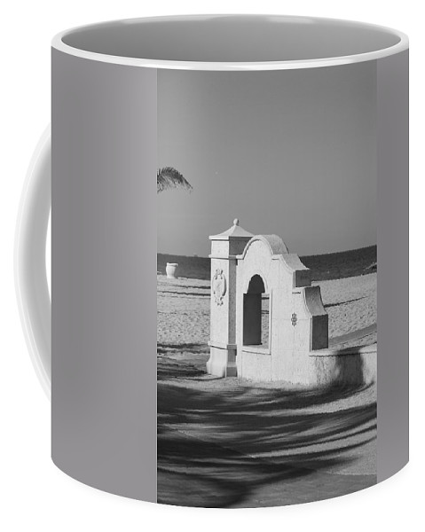 Black And White Coffee Mug featuring the photograph Hollywood Beach Wall by Rob Hans