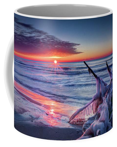 Wisconsin Coffee Mug featuring the photograph Ice Age Sunrise 1 by David Heilman