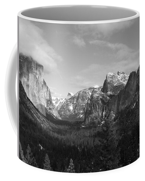 Yosemite Coffee Mug featuring the photograph Inspiration Point by Travis Day