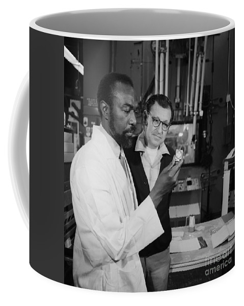 Science Coffee Mug featuring the photograph Jim Harris And Albert Ghiorso, Element by Science Source