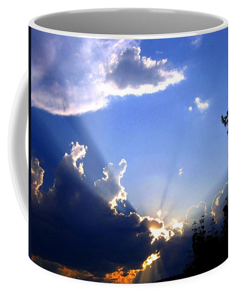 Sunburst Coffee Mug featuring the photograph Lake Country Sunburst by Will Borden