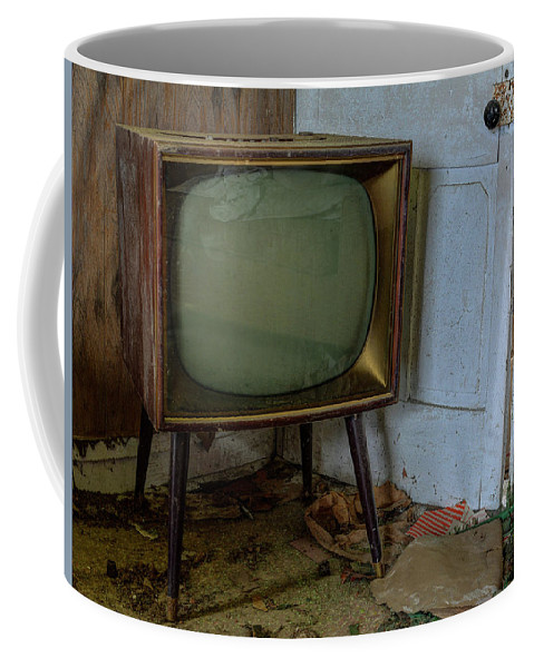 Coffee Mug featuring the photograph Late Show by Jim Figgins