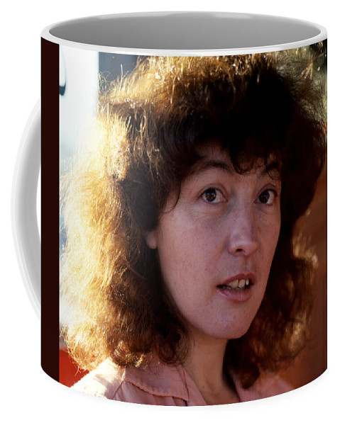 Portraits Coffee Mug featuring the photograph Linda by Lee Santa