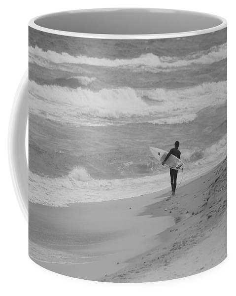 Black And White Coffee Mug featuring the photograph Long Walk Home by Rob Hans
