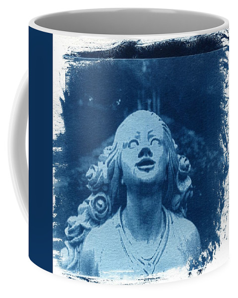 Head Coffee Mug featuring the photograph Looking Up by Jane Linders