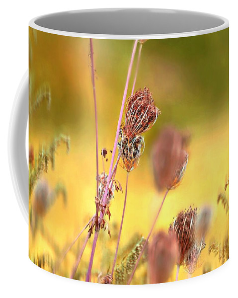 Love Comes Easy Coffee Mug featuring the photograph Love Comes Easy by Diana Angstadt