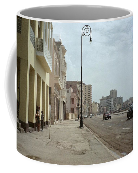 Quin Sweetman Coffee Mug featuring the photograph Malecon En Havana by Quin Sweetman