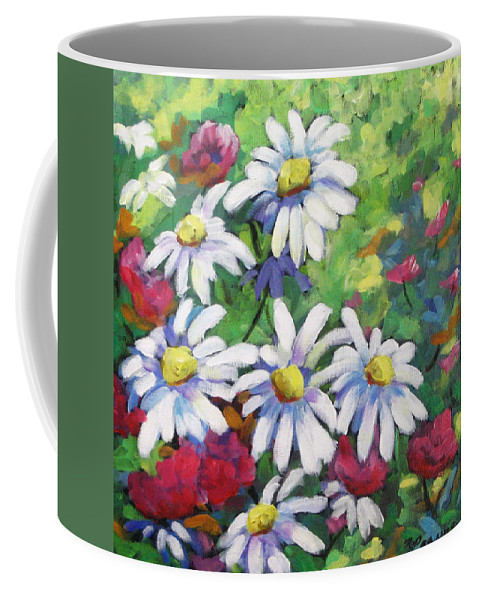 Fleurs Coffee Mug featuring the painting Marguerites 001 by Richard T Pranke
