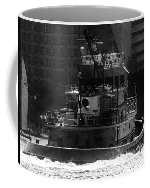 Tugboat Coffee Mug featuring the photograph Miami Tug by Keri West