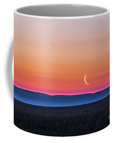 Alberta Coffee Mug featuring the photograph Moon And Venus Rising Over The Flat by Alan Dyer