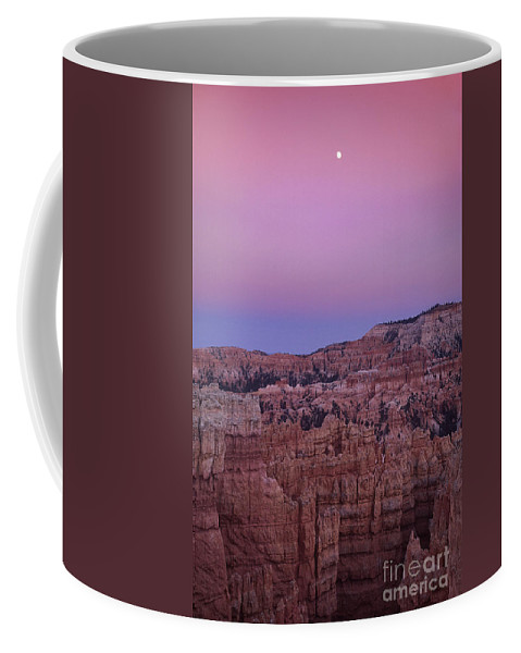 North America Coffee Mug featuring the photograph Moonrise Over The Hoodoos Bryce Canyon National Park Utah by Dave Welling