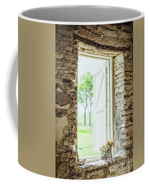 Morning Breeze Coffee Mug featuring the photograph Morning Breeze by Lynn Sprowl