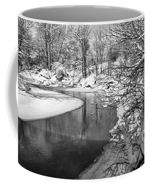 Vermont Coffee Mug featuring the photograph Moving Around The Bend by Deborah Benoit