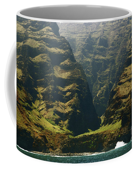Beautiful Coffee Mug featuring the photograph Na Pali 1 by Kicka Witte - Printscapes