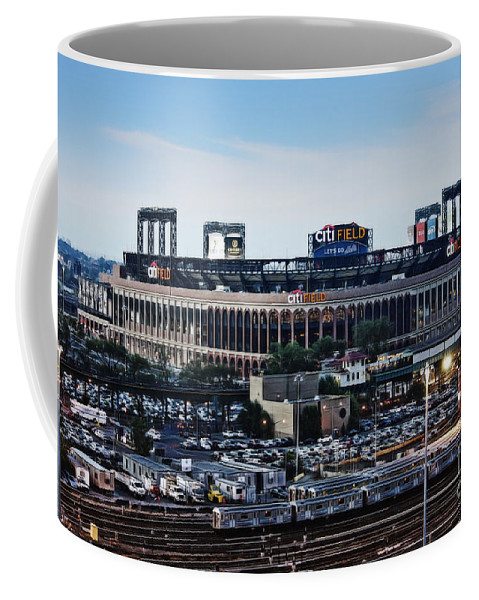 Citifield Front View Coffee Mug featuring the photograph New York Mets Citi Field by Nishanth Gopinathan