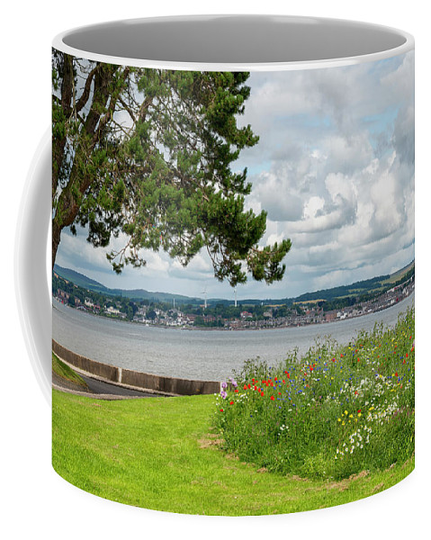 River Coffee Mug featuring the photograph Newport-on-tay In Fife, Scotland by Jeremy Lavender Photography