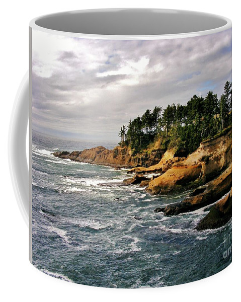 Pacific Coast Coffee Mug featuring the photograph Oceanside - Depoe Bay by Marilyn Smith