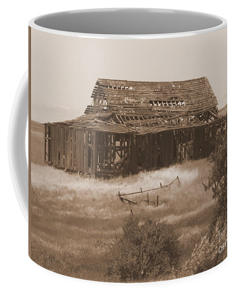 Sepia Coffee Mug featuring the photograph Old Barn In Oregon by Carol Groenen