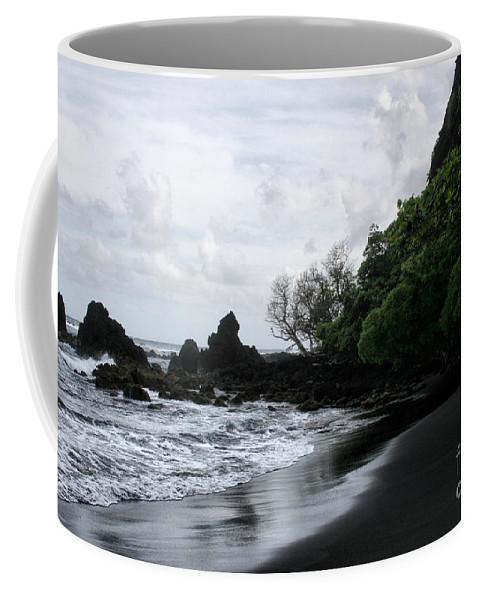 Aloha Coffee Mug featuring the photograph One Heart by Sharon Mau