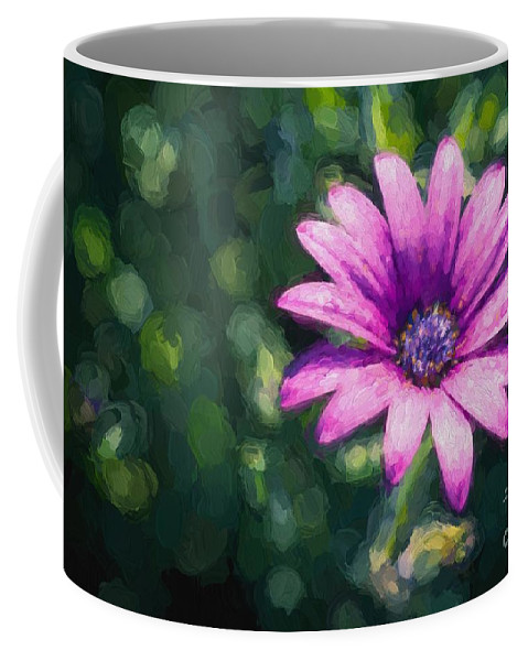 Daisy Coffee Mug featuring the photograph Pink Daisy by Ray Warren