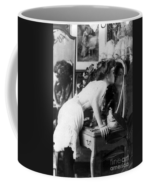 Philematology Coffee Mug featuring the photograph Platonic Kiss 1901 by Science Source