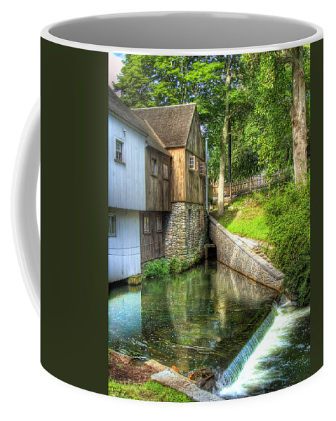 Plymouth Coffee Mug featuring the photograph Plymouth Grist Mill by Tammy Wetzel