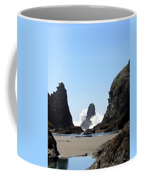 Wave Coffee Mug featuring the photograph Powerful Sea by Will Borden