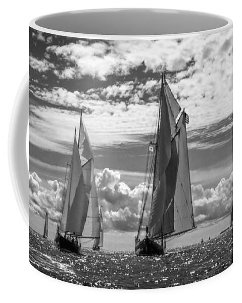 Amistad Coffee Mug featuring the photograph Racing On Open Waters B-w by Joe Geraci