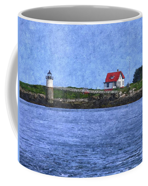 Ram Island Lighthouse Coffee Mug featuring the photograph Ram Island Lighthouse by Nancie DeMellia