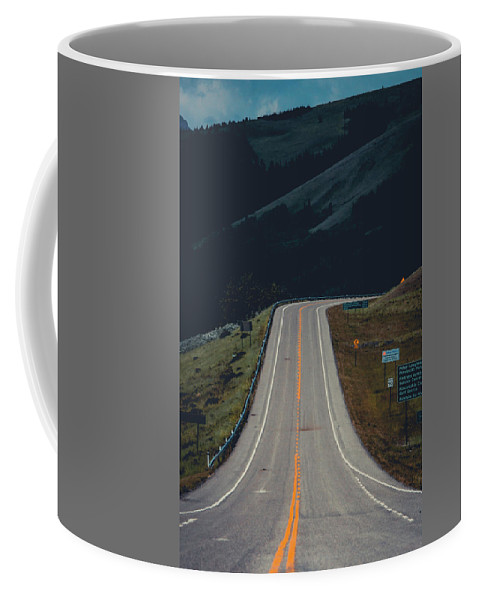 Road Coffee Mug featuring the photograph Road To The Mountains by Ethan Helferty