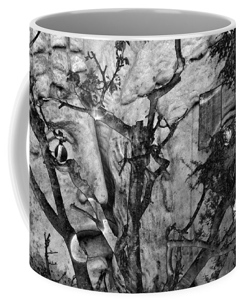 Digital Art Coffee Mug featuring the photograph Screaming Statue by Munir Alawi