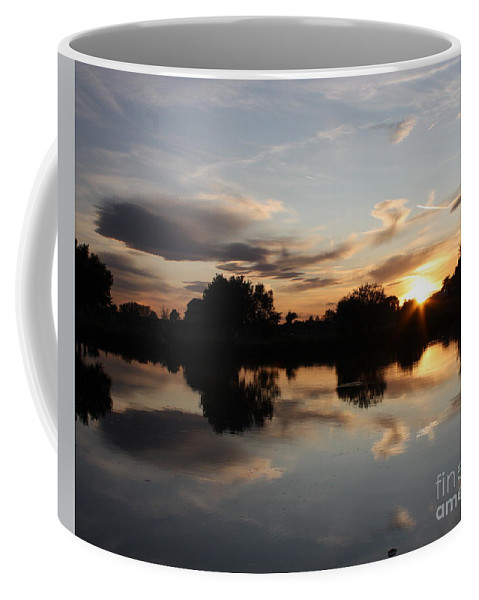Sunset Coffee Mug featuring the photograph September Sunset In Prosser by Carol Groenen